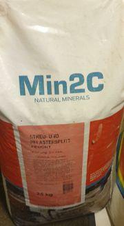 Min2C Streu und Pflastersplit feucht