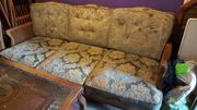 Chippendale Couch mit Tisch und