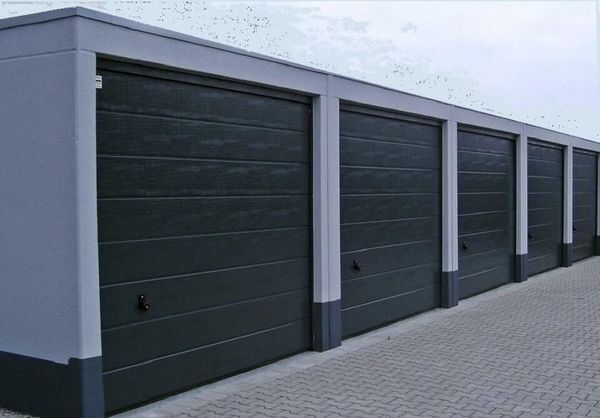 große Garage ab Mai 2020