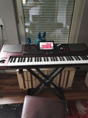 Suche Keyboard oder Klavier Unterricht