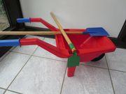 Spielzeug rote Schubkarre Kinderschubkarre mit