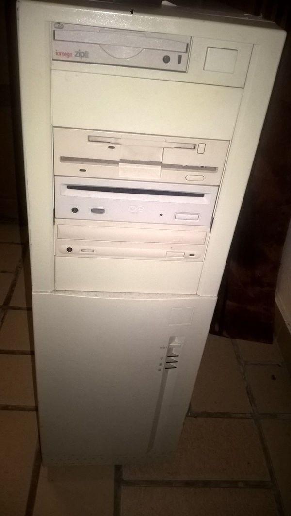 alte gut erhaltene Computer für