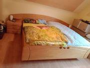 schlafzimmer bett mit 2 nachttische