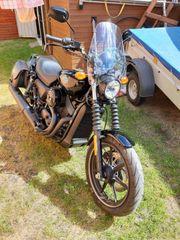 Harley-Davidson Street 750 mit vielen