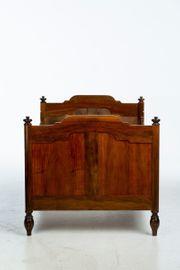 tolles altes Bett - antrik Biedermeier