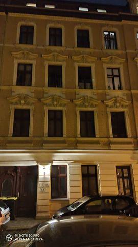 Attraktive, Helle, 2 Raum Wohnung mit Tageslicht im Zimmer.