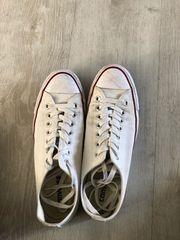 verkaufe meine originalen weißen Chucks