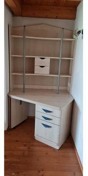 Schreibtisch ausdrehbar mit Aufsatzregal