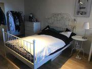 Leirvik Bett mit Nachttisch und