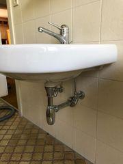 Waschbecken mit Amartur
