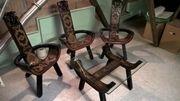 3 Stühle und Teetisch aus
