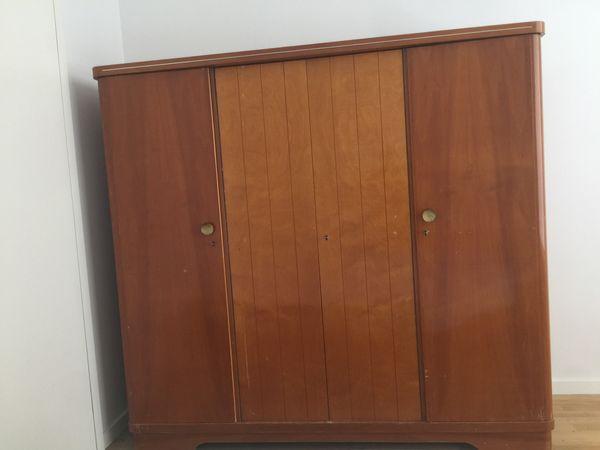 Kleiderschrank Beliebtester Kult Von 1960 Aufbau Ohne