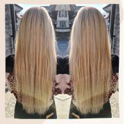 Hellblond goldige Haarextensions Haarverlängerung Haarverdichtung