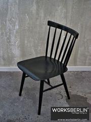 Vintage Holzstühle schwarz - TON - worksberlin