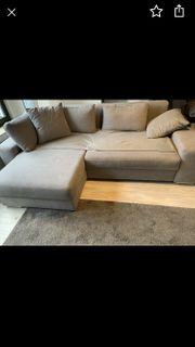 Graue Mikrofaser Couch zu verkaufen