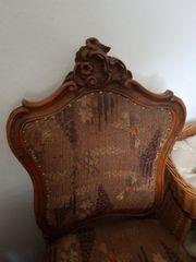 Sehr alte Stühle