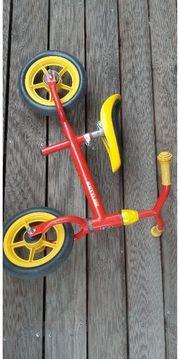 Markenlaufrad -rotes Kettler Speedy Laufrad -