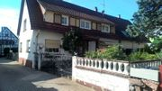 Älteres Doppelhaus mitten in Durmersheim