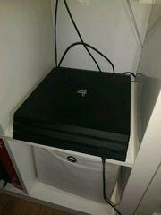 Playstation 4 Pro mit 10