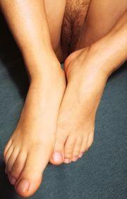 Biete Fotos meiner Füße Titten