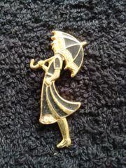 Brosche Dame mit Schirm