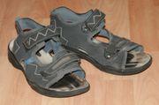Dunkle Sandalen - Größe 41 - sportlich -