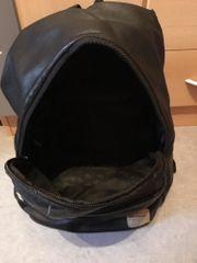 schwarzer Rucksack Dunlop