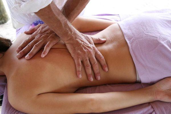 Erotische verwöhn Massage für die