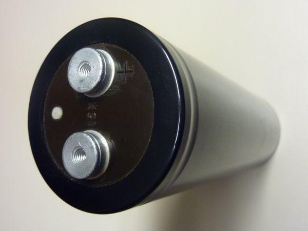 Siemens Kondensatoren 6000 µF bei 350 V Elektrolytkondensator neu - Freising Neuland/seilerbrückl - Verkaufe Siemens Kondensatoren 6000 µF bei 350 V Elektrolytkondensator ungebraucht für 20 EUR das Stückhabe mehrere davon und versende sie auch gerne. - Freising Neuland/seilerbrückl