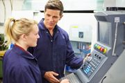 Lehrstelle als MechatronikerIn oder MaschinenbautechnikerIn