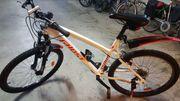Mountainbike ST100 weiss 26zoll 21gänge