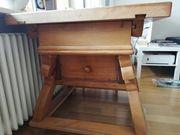 Holztisch Jogltisch