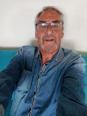 Er 63 sucht eine Dauerfreundaschaft