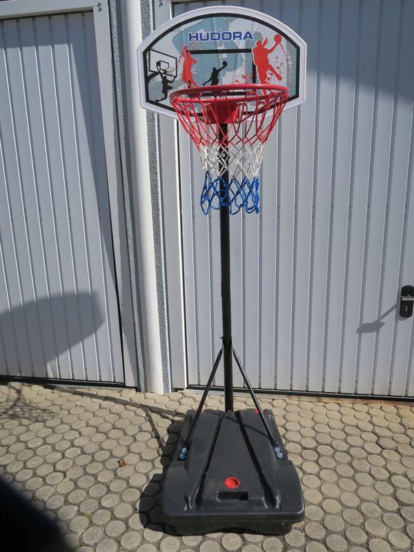 transportabler Basketballständer