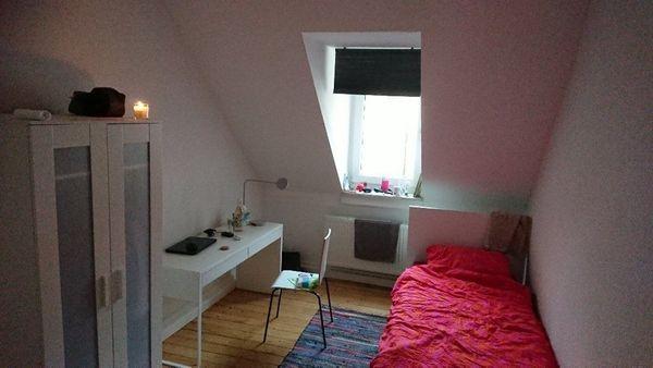 Möbliertes Zimmer 400EUR WARMMIETE in