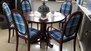 Thonet Esszimmerstühle mit Tisch