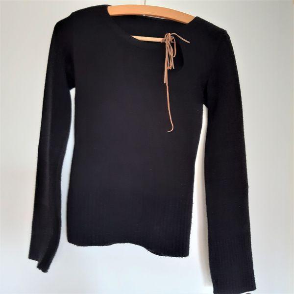 Pullover Gr 36 schwarz Helga