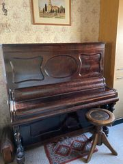 Gepflegtes Klavier