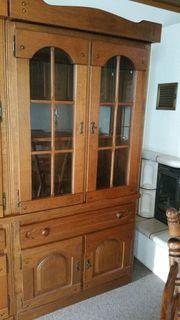 Eichenschrank mit Fenstertür