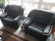 Ledercouch mit 2 Sesseln zu