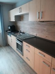 Küchenzeile mit Highboard