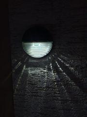 Solar LED Wandleuchte Weiß Leuchtend