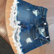 Neuwertige kurze Jeans Jeanshose Hose