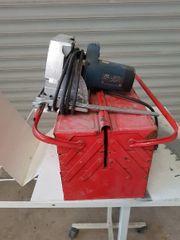 Werkzeugkasten plus Bohrmaschine und AEG