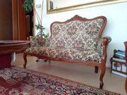 Sitzmöbel im Biedermaier-Stil