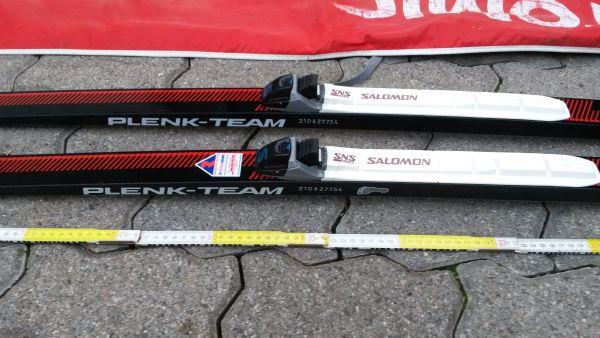 Ski, Langlauf-Ski, Plenk Team Wiesel - Leimersheim - Biete ein Paar gebrauchte Langlaufski von Plenk Team Wiesel an.Länge 200 cm, Breite 4,5 cm.mit Stöcken und Tasche - Leimersheim