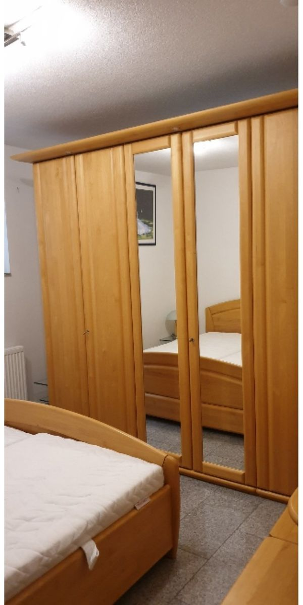 Schlafzimmer Möbel Schrank Bett Echtholz massiv in Karlsruhe ...