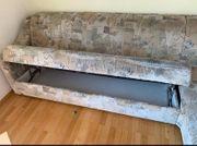 Couch mit passendem Hocker