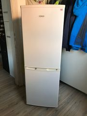 Kühl-Gefrier-Kombination - Neuwertig
