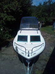 Motorboot mit Kajüte ohne Trailer